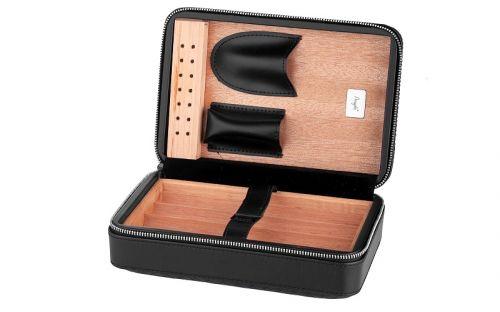 Utazó humidor - cédrusfa szivartartó doboz 4 szál szivarnak, fekete bőr borítású