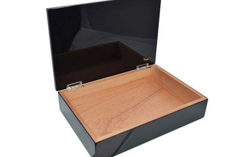 Humidor 10 szál szivar részére, spanyol cédrusfa szivartartó doboz - lakkfekete