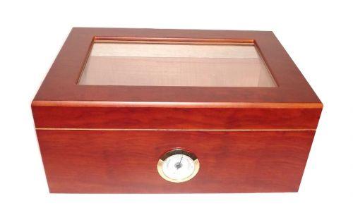 Humidor 50 szivar részére, cédrusfa szivar doboz, üvegtetős, párásítóval és hygrométerrel - barna