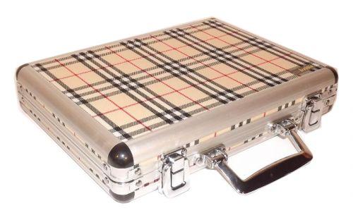 Utazó szivar tartó koffer, párásítóval és ajándék szivarvágóval - skót kockás