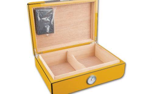 Humidor 30 szál szivar részére, spanyol cédrusfa szivartartó doboz, párásítóval, külső higrométer - Carbon, sárga
