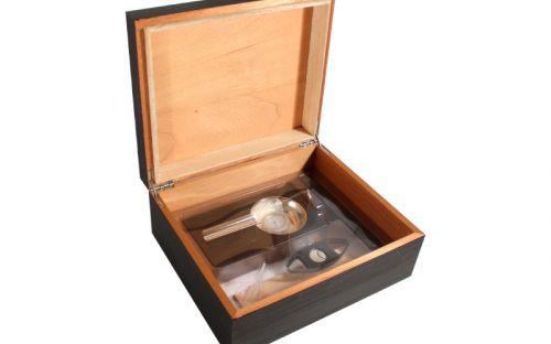 Humidor 40 szál szivar részére, spanyol cédrusfa szivar tároló doboz, fekete + AJÁNDÉK szett!