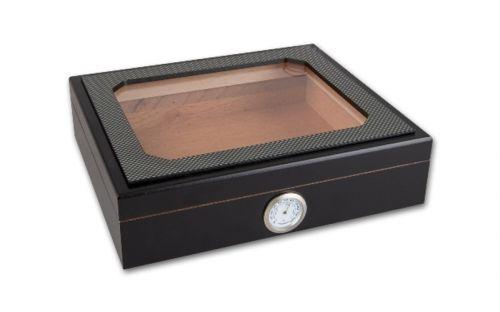 Humidor 30 szál szivar részére, Carbon borítású, fekete cédrusfa szivar doboz, üvegtetős, párásítóval, hygrométerrel