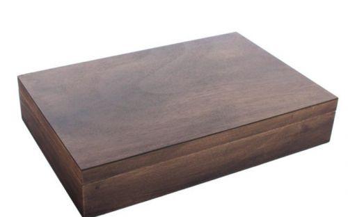 Humidor 30 szál szivar részére, antik hatású spanyol cédrusfa szivar tároló doboz