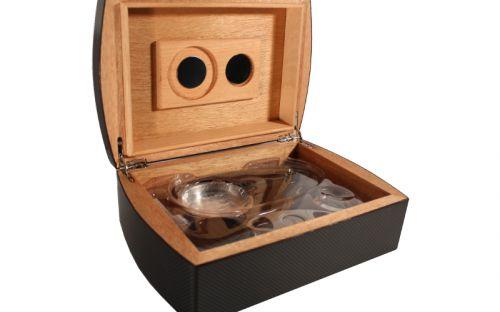 Humidor 30 szivar részére, spanyol cédrusfa szivar tároló doboz, belső hygrométerrel, párásítóval + AJÁNDÉK szett! carbon