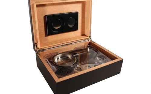 Humidor 30 szivar részére, spanyol cédrusfa szivar tároló doboz, belső hygrométerrel, párásítóval + AJÁNDÉK szett! MATT fekete