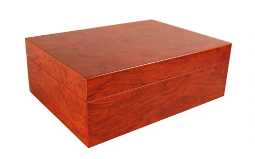 Humidor 30 szivar részére, spanyol cédrusfa szivar tároló doboz, belső hygrométerrel, párásítóval + AJÁNDÉK szett! VILÁGOSbarna színű