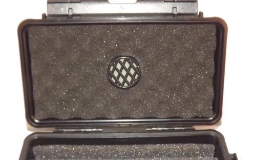 Utazó humidor - műanyag szivartartó doboz 5 szál szivarnak, fekete