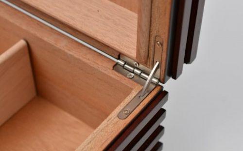 Humidor 40 szál szivarnak, fekete-cseresznye színű, cédrusfa szivar doboz, párásítóval és külső hygrometerrel