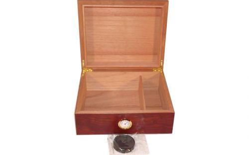 Humidor 50 szál szivar részére, cédrusfa szivar doboz, párásítóval, hygrométerrel - barna, Angelo