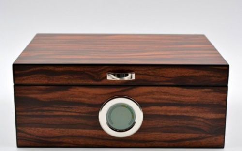 Exkluzív-Luxus humidor 50 szál szivar részére, cédrusfa szivar doboz, DIGITÁLIS hygrométerrel - barna-csíkos, Angelo